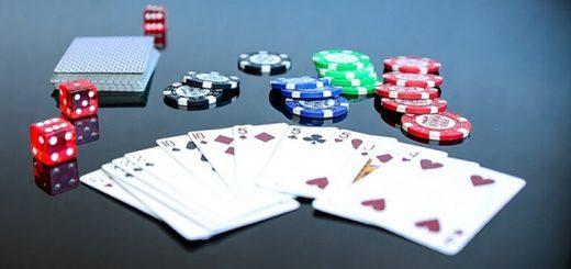 Mơ đánh bài đánh con gì?