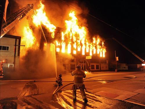 Nằm mơ cháy rừng lan lửa sang nhà dân