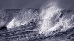 Giải mã ý nghĩa giấc mơ gặp phải sóng thần